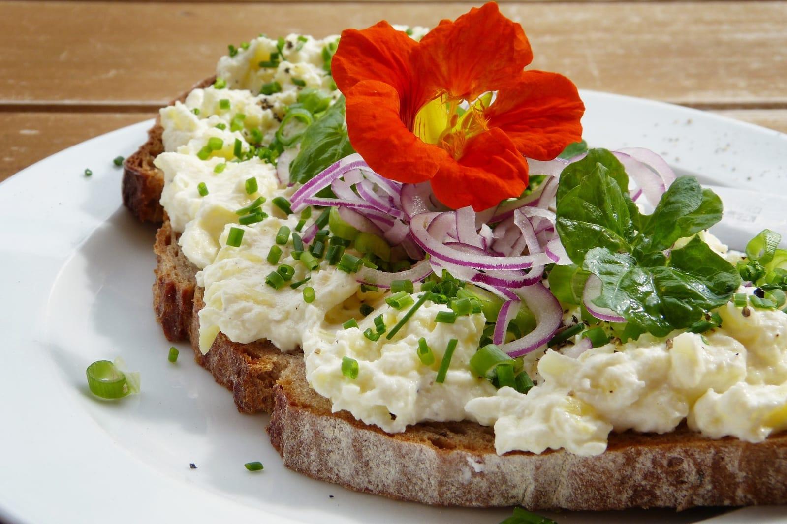 Pâine integrala cu brânză